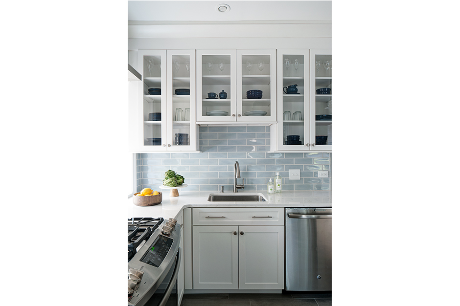 glass front cabinets in new kitchen design